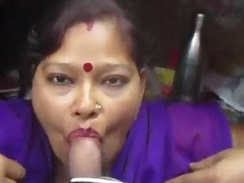 Hot Bhabhi Nasty Blowjob
