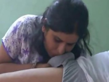 Indian Exotic Bhabhi Sucking Lovers Big Cock