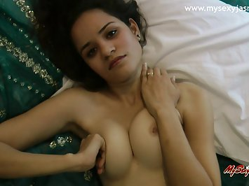Indian Virgin Babe Jasmine Mathur