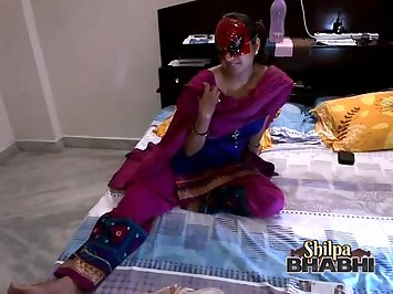 Shilpa Bhabhi Hot Indian Wife Boobs