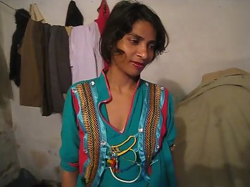Sexy Pakistani Housewife Porno